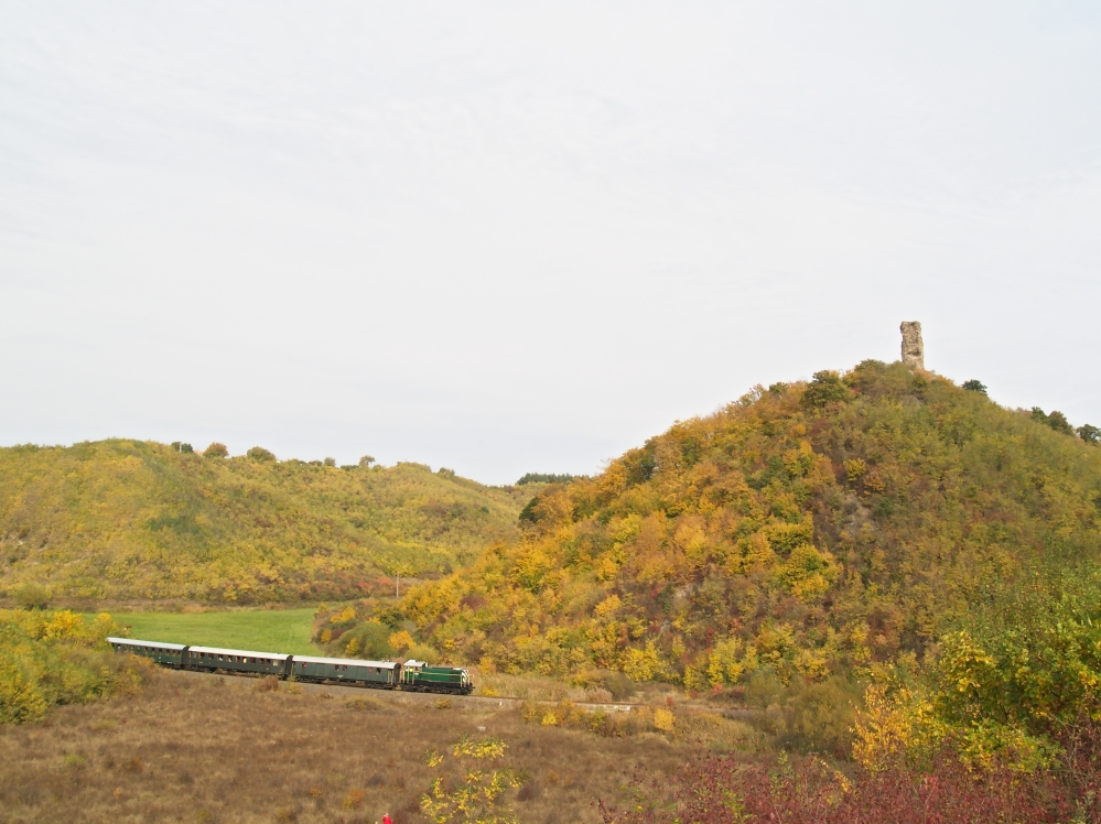 M44 209 Mátraderecske és Recsk-Parádfürdõ között, a Kanázsvárnál fotó