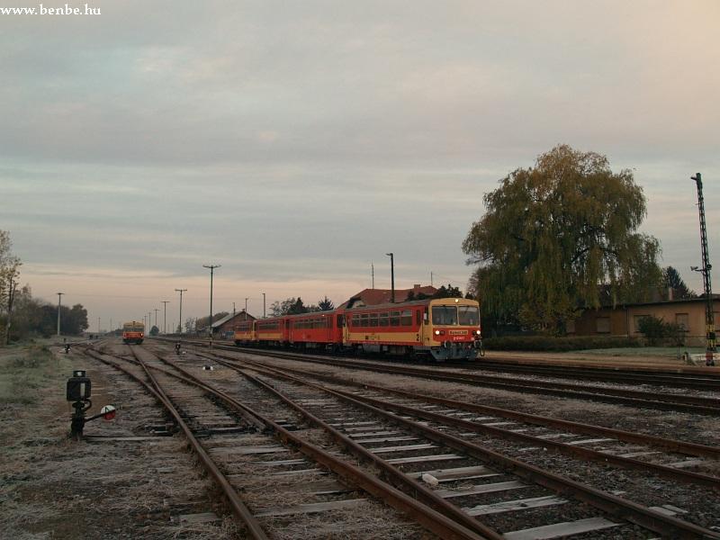Bzmot 332 és 248 Putnok állomáson fotó