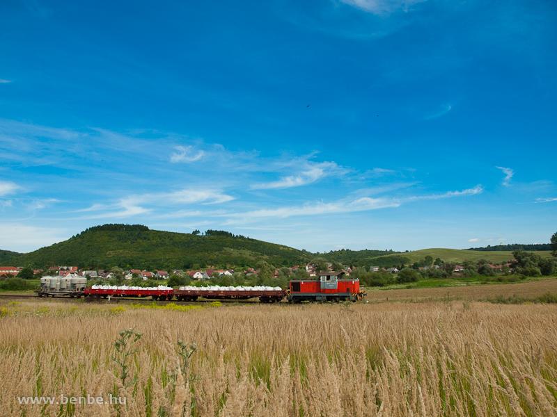 M47 1302 tehervonatával Szendrőládon fotó