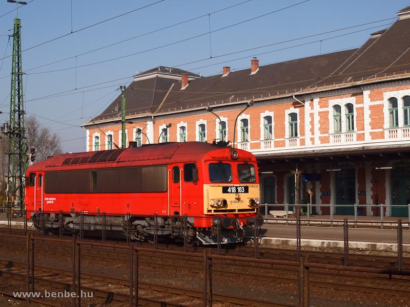A MÁV-TR 418 163 (ex M41 2163) Miskolc-Tiszai pályaudvaron fotó