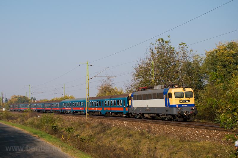 A MÁV-START 432 144 Pilis é fotó