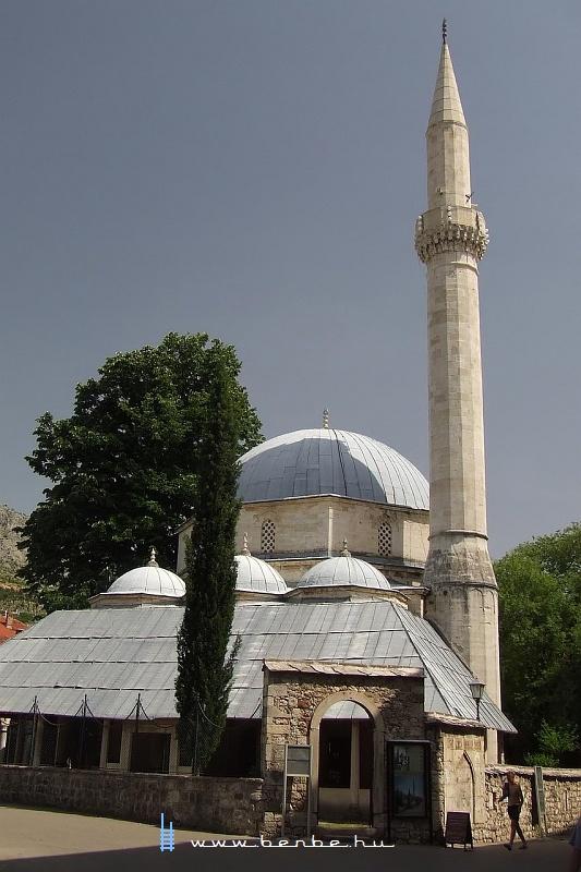 Karadzsoz bég mecsete Mostarban fotó