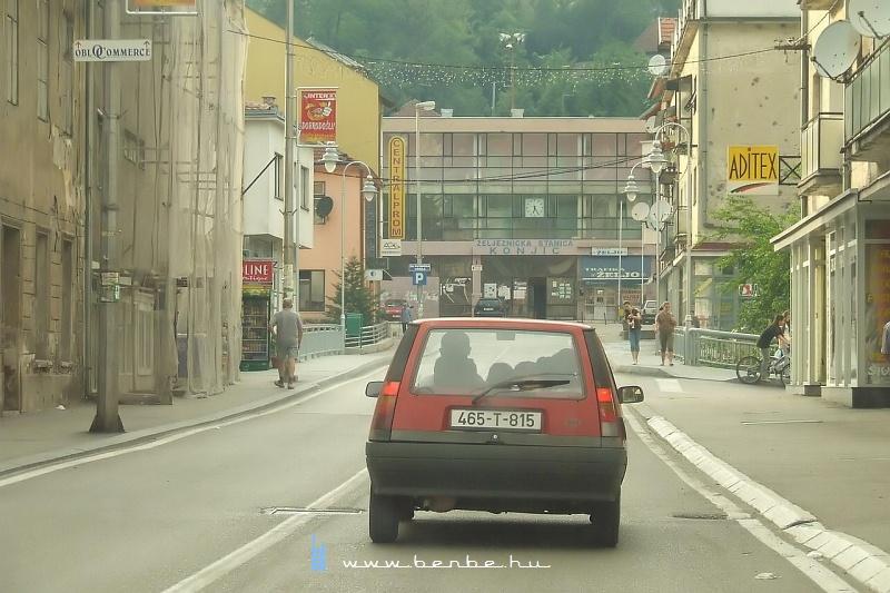 Érkezés a konjici vasútállomásra fotó