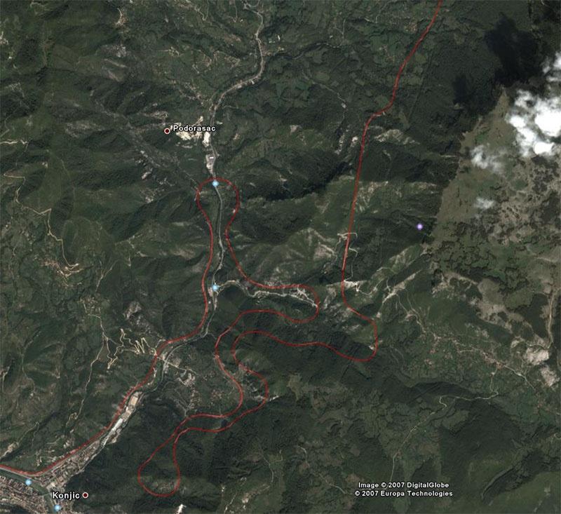 A konjici vonalkifejtés a Google Earth mûholdfelvételére rajzolva fotó
