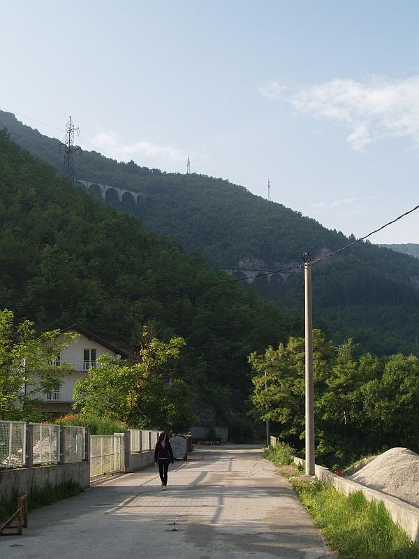 Ovčari falu és viaduktjai fotó