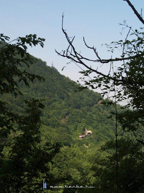 441-906 Ovčari állomásról indul fotó