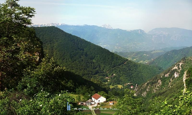 441-908 a középsõ szinten Ovčari állomásról jár ki fotó
