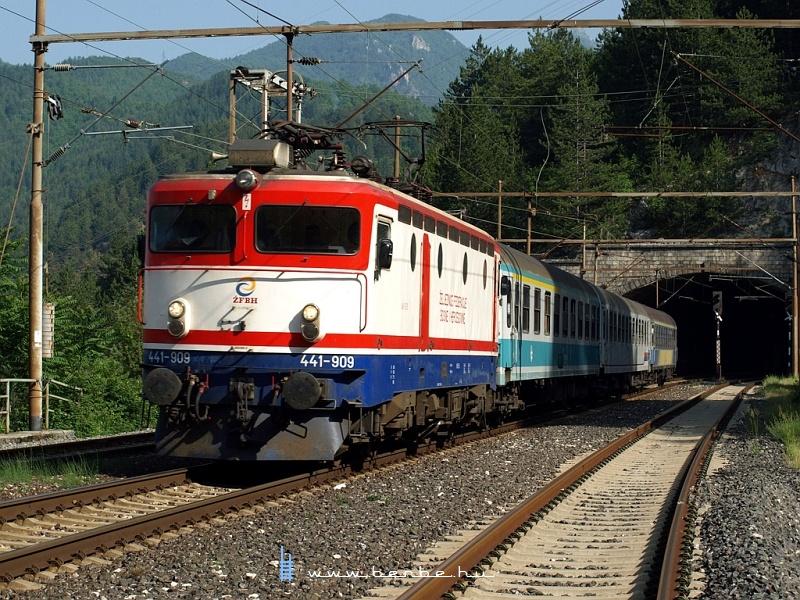 441-909 Ovčari állomáson fotó