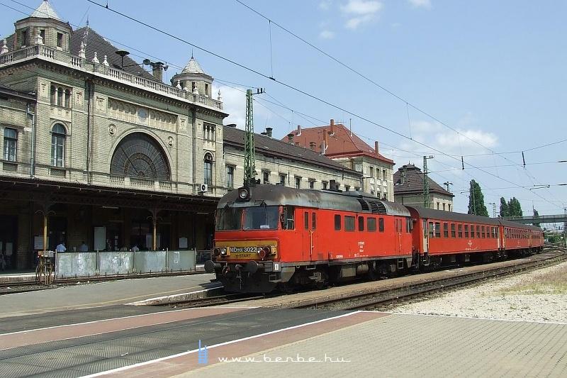 MDmot 3022 Pécs állomáson fotó