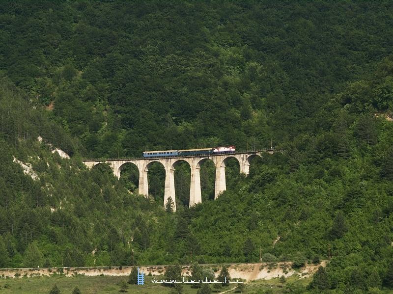 441-908 Ovcariban, a nagy viadukton fotó