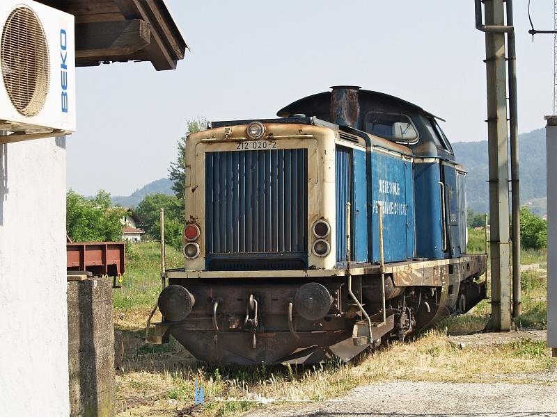 212 020-2 Dobojban fotó