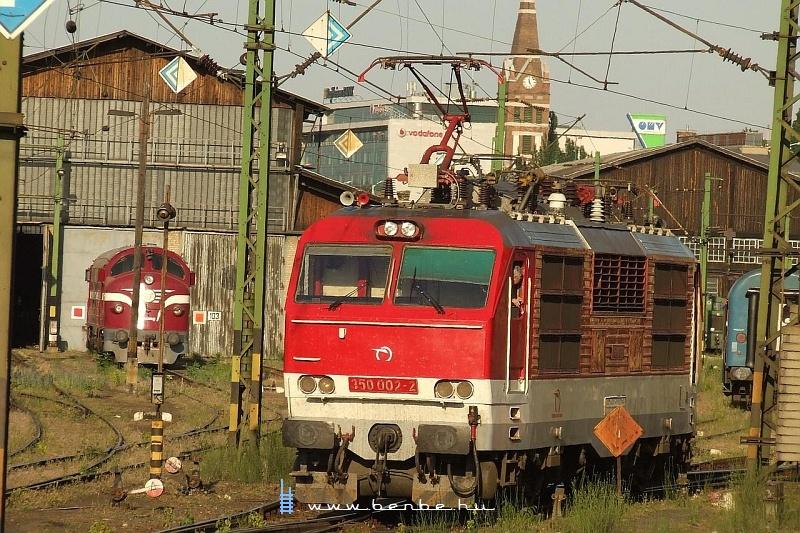 350 002-2 a Keletiben fotó