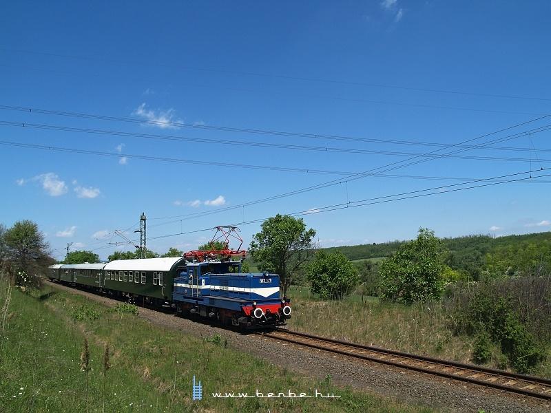 V42 527 Kisnémedi és Váckisújfalu között fotó