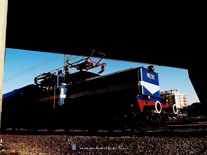 V42 527 a Körvasúton fotó
