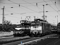 The V42 527 and the V43 1368 at Asz�d station