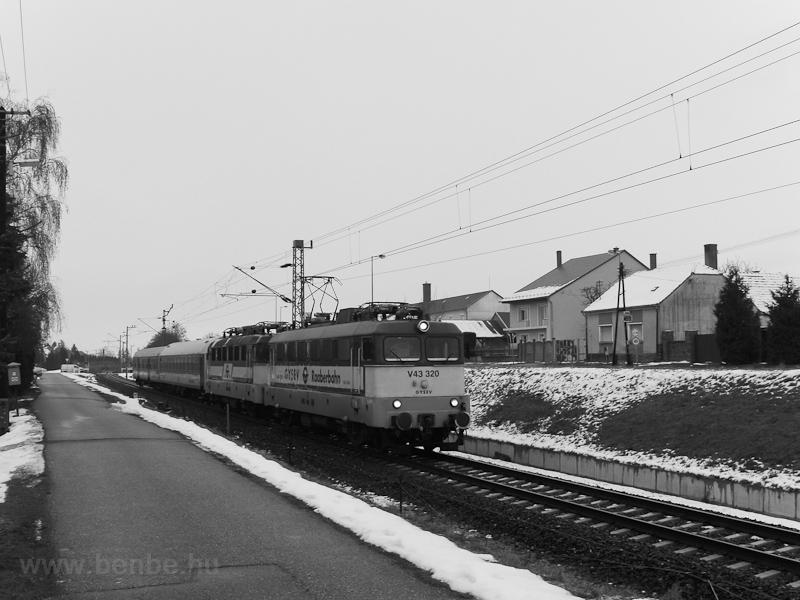 A GYSEV V43 320 Nemeskér-Eg fotó