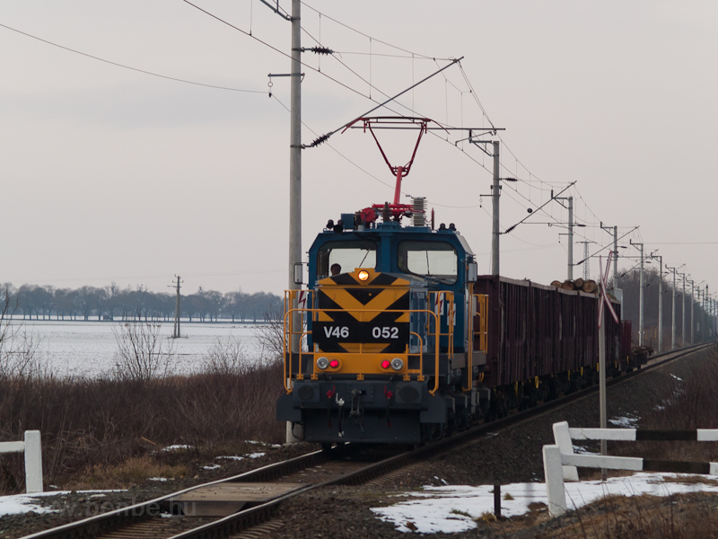 The V46 052 seen between Sopronkövesd and Lövő with a freight train photo