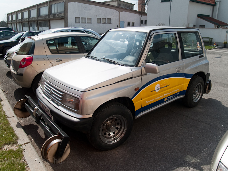 A drezinás cég kétéltű Suzukija fotó