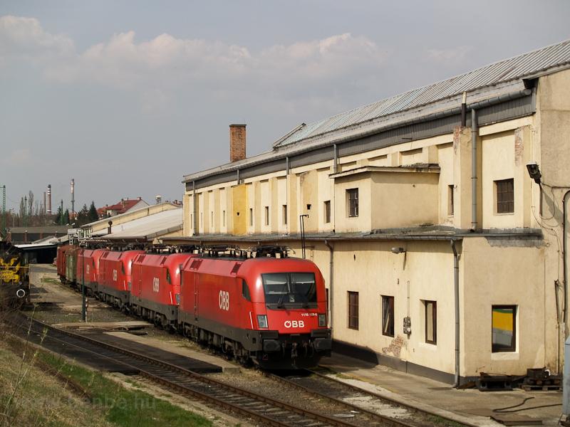Az ÖBB 1116 189-0, néhány másik Teknő és M44 310 Sopron fűtőházban fotó