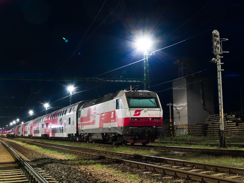 The ÖBB 1014 011-9 at Fert& fotó