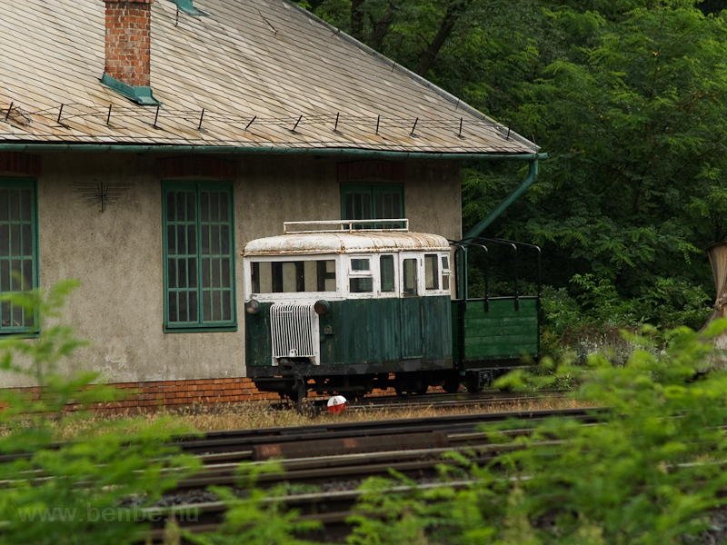 A Darázs pályakocsi Fert fotó