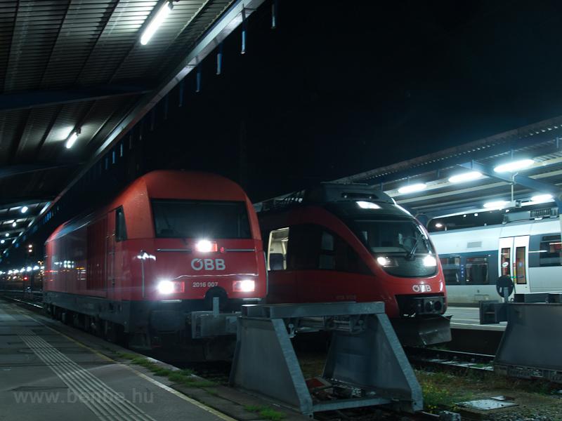 Az ÖBB 2016 007 és a 4124 012-8 Wien Südbahnhof (Ostseite) állomáson fotó