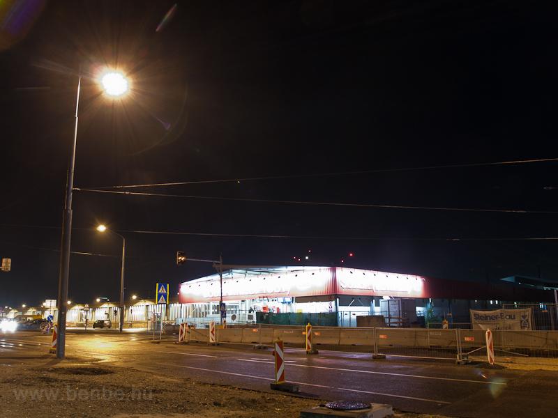Wien Südbahnhof (Ostseite) ideiglenes felvételi épülete fotó