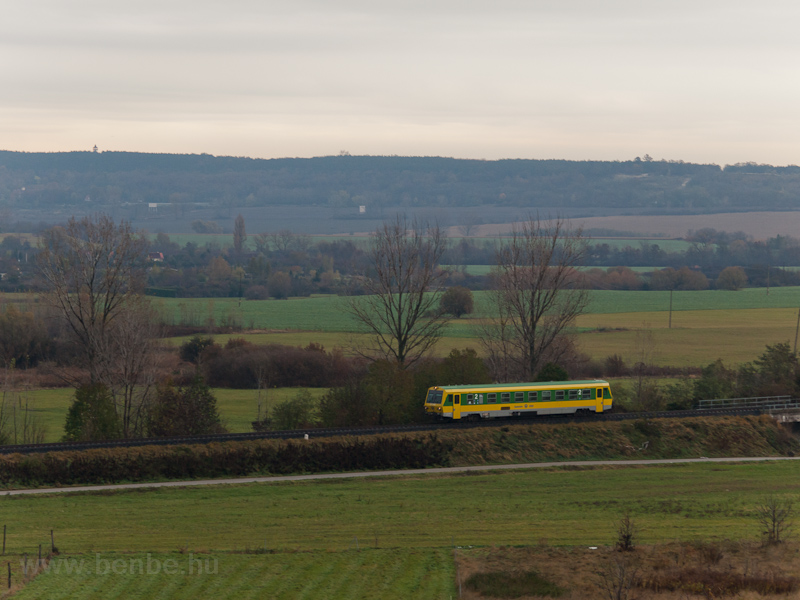 The GYSEV 247 509 is seen between Sopron-Ipartelep (used to be Sopron-Déli) and Ágfalva stations photo