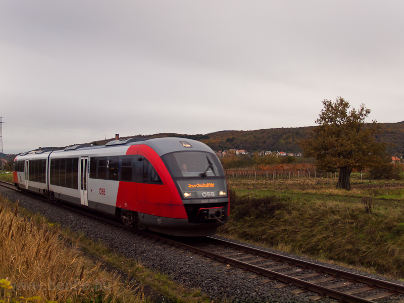 The ÖBB 5022 051-4 is seen between Ágfalva and Loipersbach-Schattendorf photo