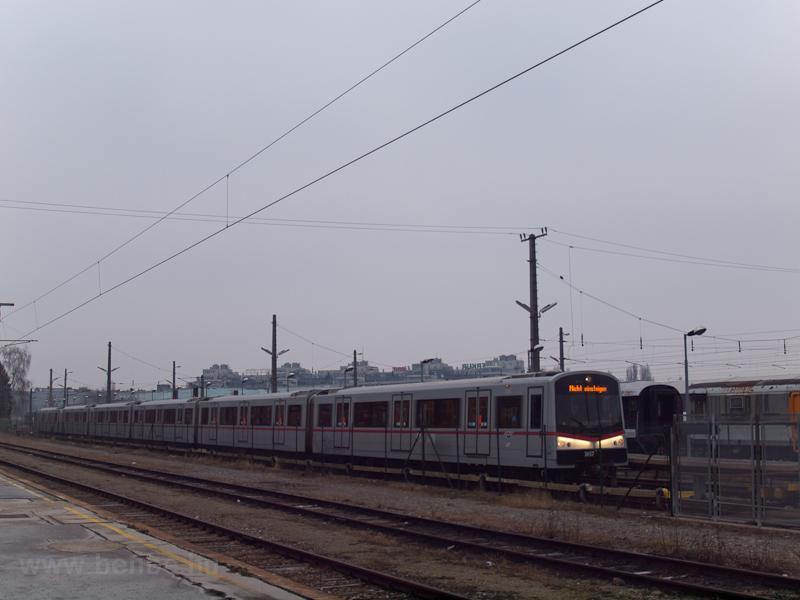 SGP V sorozatú metrókocsi H fotó