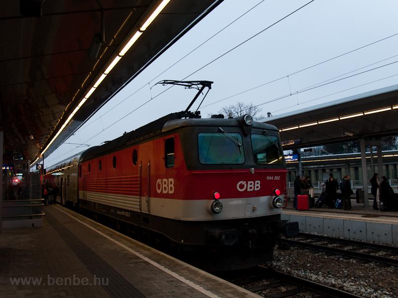Az ÖBB 1144 262 Wien Meidli fotó