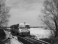 A MÁV Iker-Bézéje, a 6312 001-8 a Szombathely-Kőszeg vonalon Gyöngyösfalu közelében