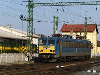 A M�V-TR V63 153 j�r k�rbe Sopronban, miut�n meg�rkezett gyorsvonat�val Budapestről