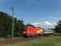 The GYSEV 1116 064-5 seen between Fertőboz and Sopron