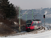 The ÖBB 4124 018-5 seen between Vulkapordány (Wulkaprodersdorf, Ausztria) and Darufalva (Drassburg, Austria)