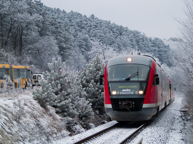 The MÁV 6342 017-8 seen between Pázmáneum and Szabadságliget photo
