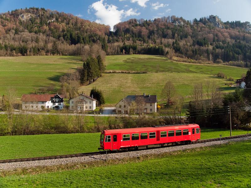 The NÖVOG 5090 007 seen between Frankenfels and Schwarzenbach an der Pielach photo