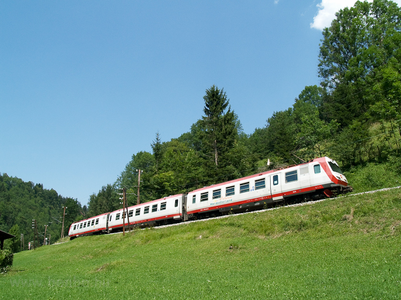 The ÖBB 4090 002-9 seen between Boding and Laubenbachmühle photo