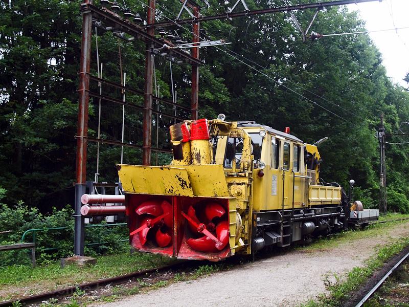 A Mariazellerbahn egyik hómarója Winterbachban fotó