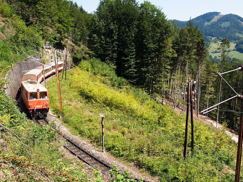 A NÖVOG 2095.10 a Heugrabenviadukton Puchenstuben és Gösing között fotó