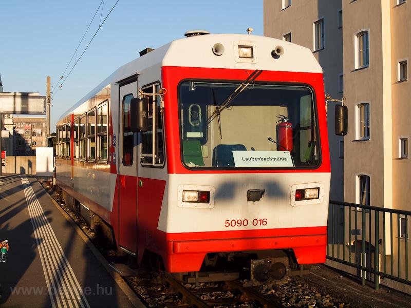 A NÖVOG 5090 016 Laubenbachmühlébe indul St. Pöltenből fotó