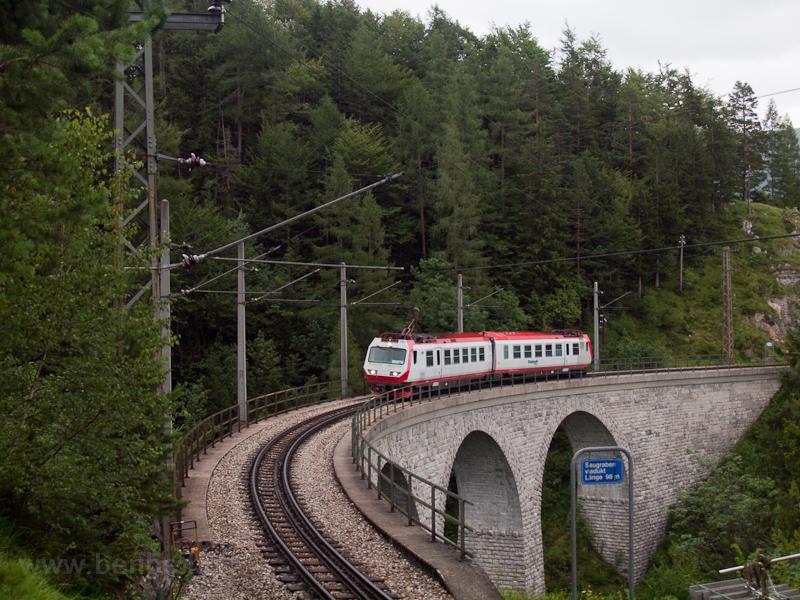 Tudtuk, hogy 4090-es jön, de azt nem, hogy ilyen pici: a NÖVOG 4090 003 Annaberg és Gösing között a Saugrabenviadukton fotó