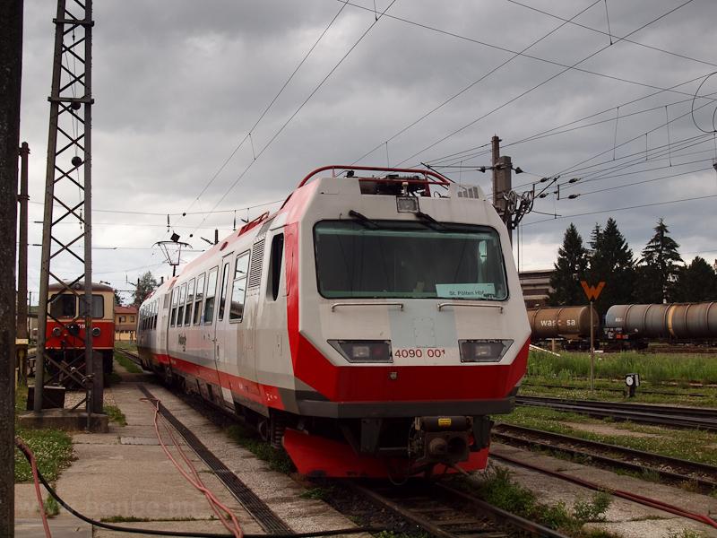 A NÖVOG 4090 001 St. Pölten Alpenbahnhofon fotó