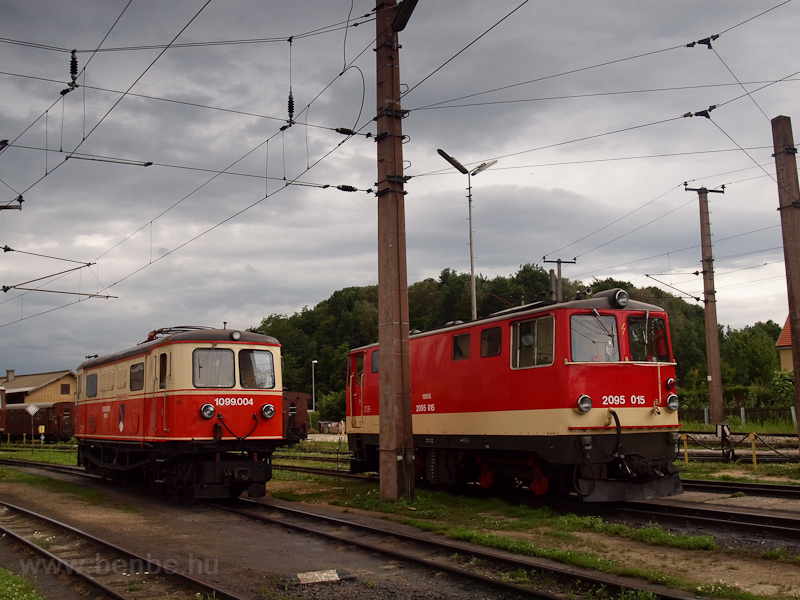 The NÖVOG 1099 004 and the 2095 015 seen at St. Pölten Alpenbahnhof photo