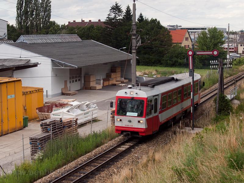A NÖVOG 5090 015 St. Pölten Alpenbahnhof és Schwadorf között fotó