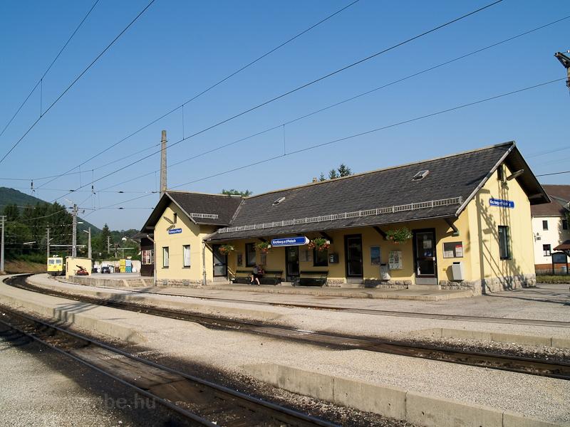 Kirchberg an der Pielach felvételi épülete - 2013-ban itt is megszűnt a forgalmi szolgálat fotó