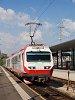 A NÖVOG 4090 003 lefestett ÖBB Pflatsch-csal St. Pölten Hauptbahnhofra érkezik