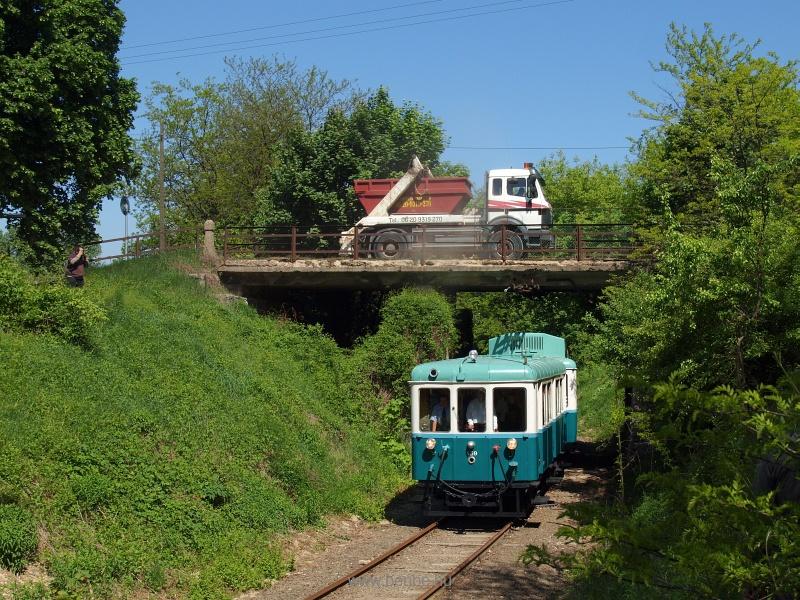 Az ACSEV-motorvonat a 459-es vezérlőkocsival Csömör és Kavicsbánya-elágazás között fotó