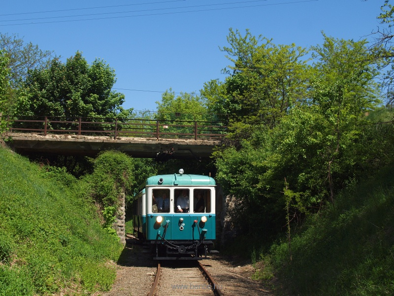 The ACSEV railcar betwee Csömör and Kavicsbánya junction on the freight train bypass of the Gödöllő HÉV line photo