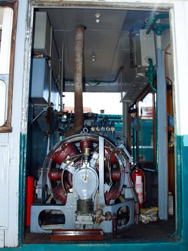 Az ACSEV-motorkocsi géptere fotó
